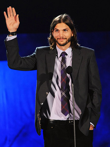 SPEAKING OUT photo | Ashton Kutcher