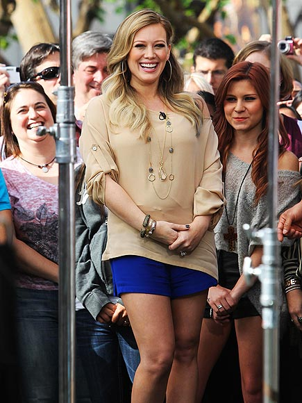 HOT MAMA photo | Hilary Duff