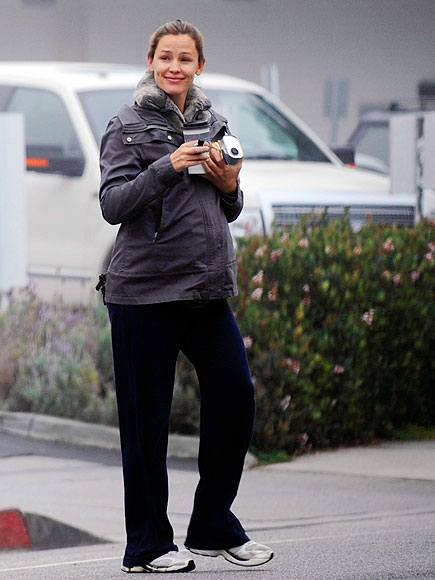 BUNDLE UP! photo | Jennifer Garner