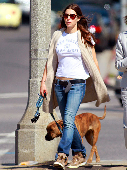 DOG DAYS photo | Jessica Biel