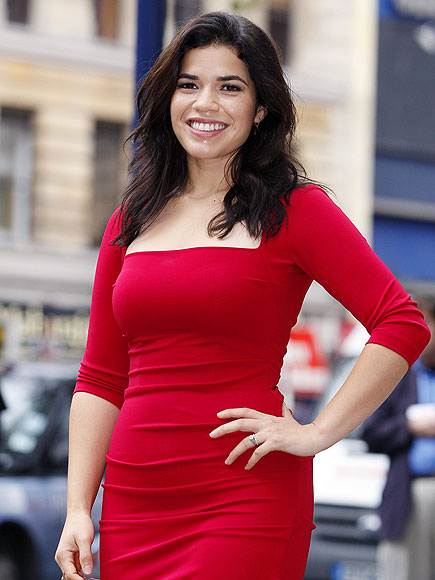 HOT SHOT  photo | America Ferrera