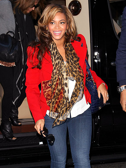 RED ALERT  photo | Beyonce Knowles