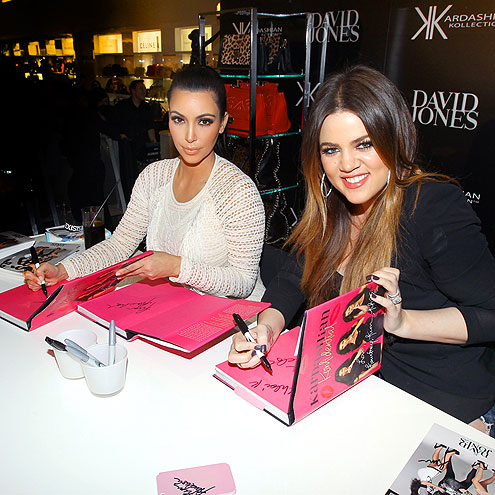 BOOKING IT photo | Kim Kardashian, Kourtney Kardashian