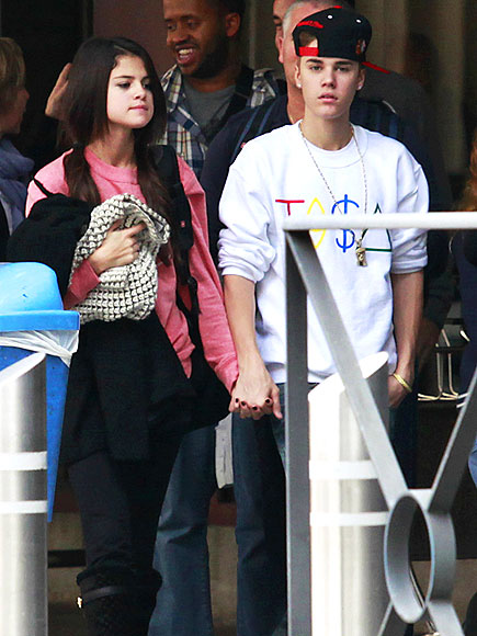 ON HOLD   photo | Justin Bieber, Selena Gomez