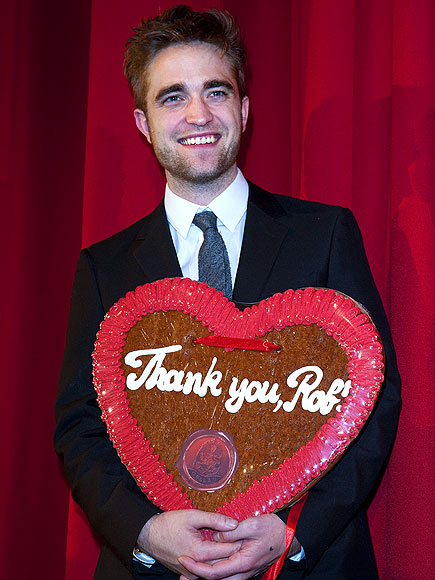 RED CARPET TREAT photo | Robert Pattinson