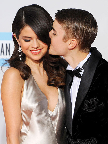 KISS FOR THE CAMERA photo | Justin Bieber, Selena Gomez