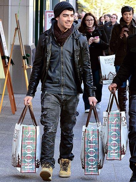 BOOTS & ROOTS  photo | Joe Jonas