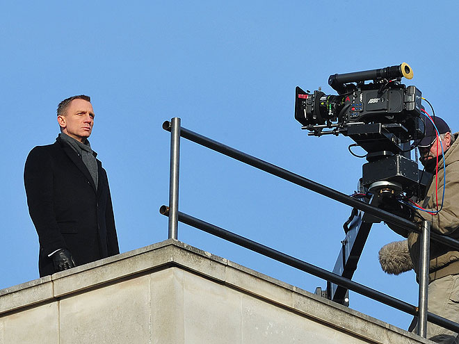 BOND IS BACK! photo | Daniel Craig