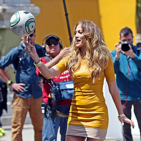 ON THE BALL! photo | Jennifer Lopez