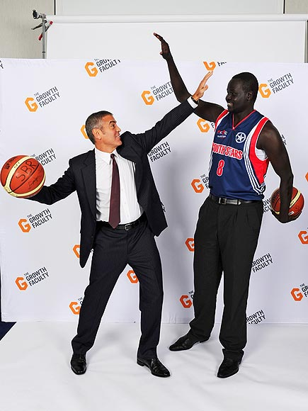HIGH FIVE! photo | George Clooney