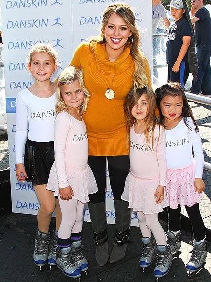 FAN SUPPORT  photo | Hilary Duff