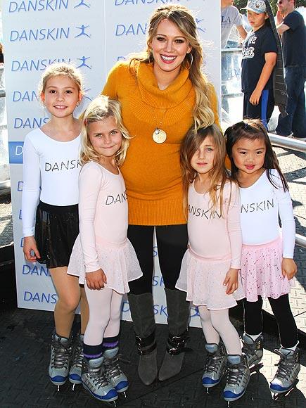 FAN SUPPORT  photo | Hilary Duff