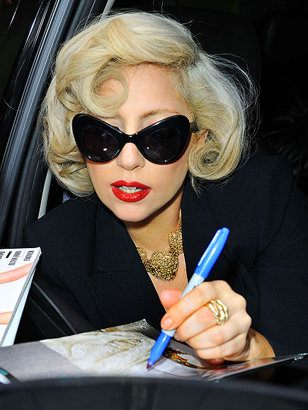 MARILYN MOMENT photo | Lady Gaga