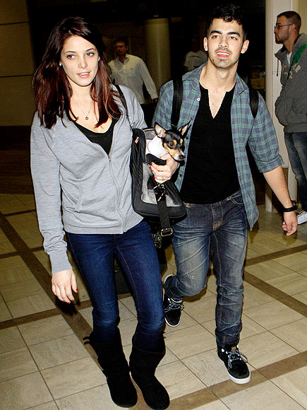 ASHLEY GREENE & JOE JONAS photo | Ashley Greene, Joe Jonas
