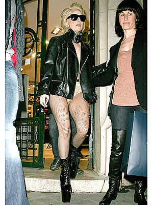 Lady Gaga: Pantless in Paris