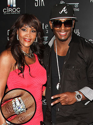 Vivica Fox Flaunts Her New Engagement Ring!