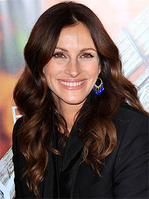 julia roberts 300x400 How Baking Soda Fits Into Julia Robertss Beauty Routine