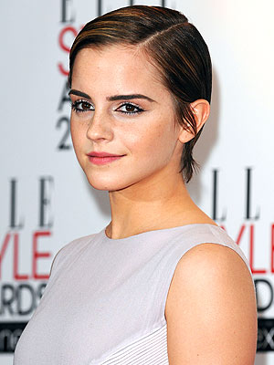 Emma Watson Growing out Her Short Hair Cut