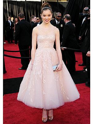 Hailee Steinfeld Oscar Dress