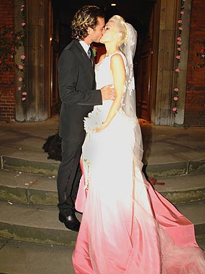 Gwen Stefani's Wedding Dress Goes to the Museum