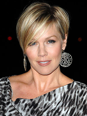 Jennie Garth Can't Stand Store Dressing Rooms