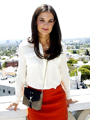 katie holmes 300x400 Katie Holmes Is the New Face of Bobbi Brown Cosmetics