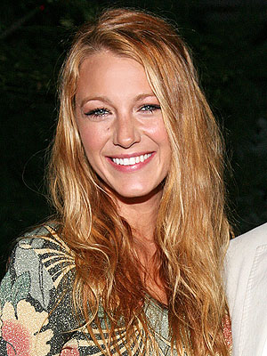 blake lively 300x400 What Is Blake Lively Gifting to Friends and Family This Year?