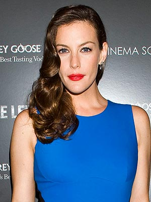 liv tyler 2 300x400 Chic Clicks: Liv Tyler's One of a Kind Lip Gloss, Kate Moss for Mango