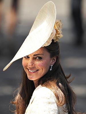 Kate Middleton Wears Custom Hat for Zara Phillips's Wedding