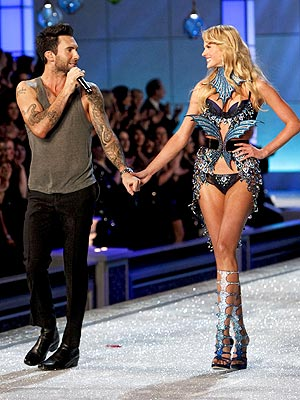 Maroon 5 Victoria's Secret