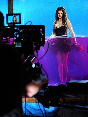selena gomez 300x400 Sneak a Peek at Selena Gomezs First Fragrance Campaign Pic