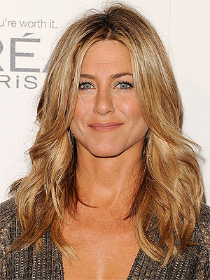 jennifer aniston 300x400 Jennifer Aniston Laughs Off $8,000 a Month Beauty Regimen Reports