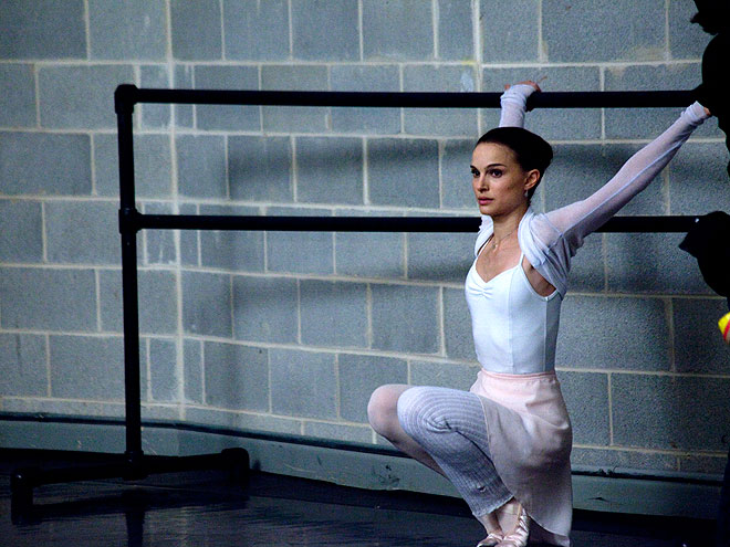 NATALIE PORTMAN RAISES THE BARRE photo | Natalie Portman