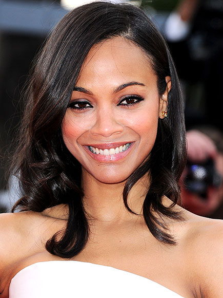 PALE POUTS photo | Zoe Saldana