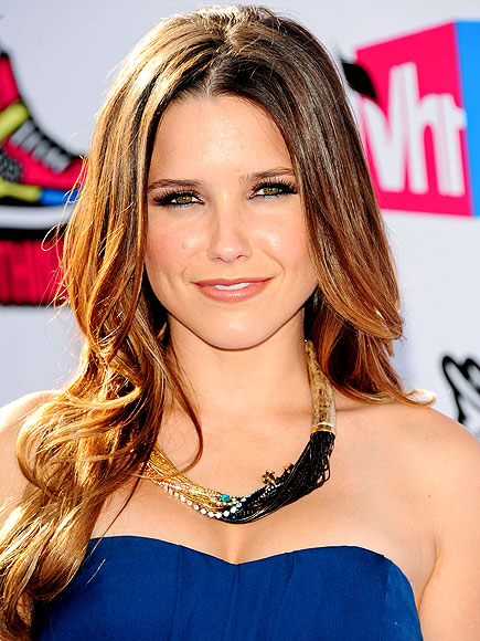 STAY HYDRATED photo | Sophia Bush