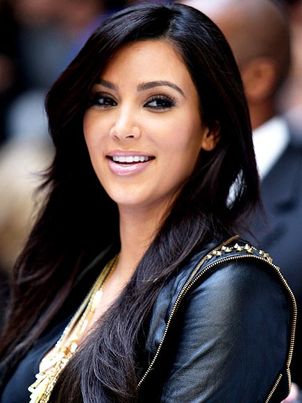 LIP SERVICE photo | Kim Kardashian
