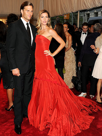 GISELE BÜNDCHEN & TOM BRADY photo | Gisele Bundchen, Tom Brady