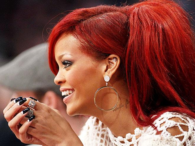 HALF MOONS photo   Rihanna