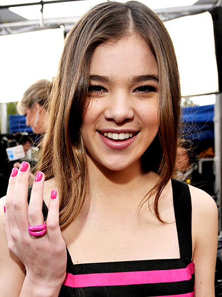 PATENT PINK photo | Hailee Steinfeld