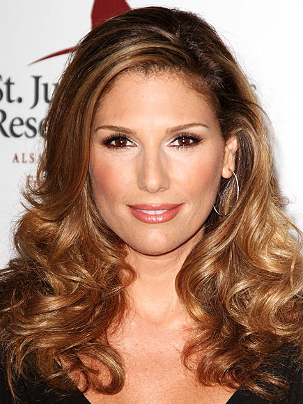 DAISY FUENTES CLEANSES HER MIND photo | Daisy Fuentes