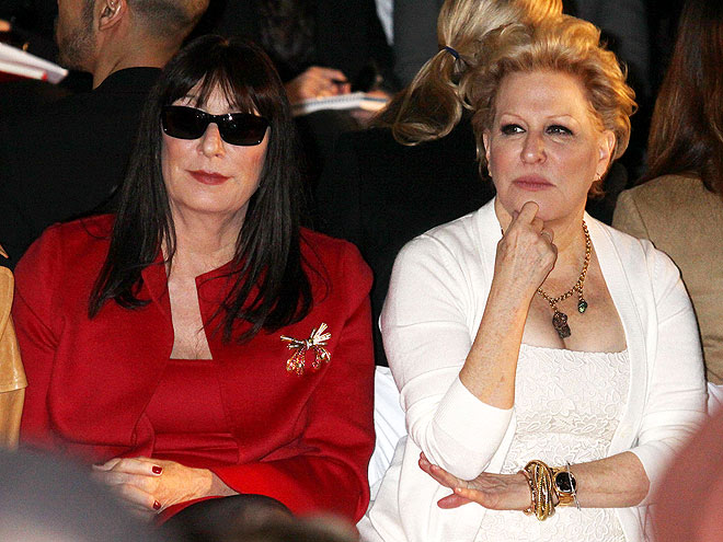 ANJELICA HUSTON AND BETTE MIDLER photo | Anjelica Huston, Bette Midler