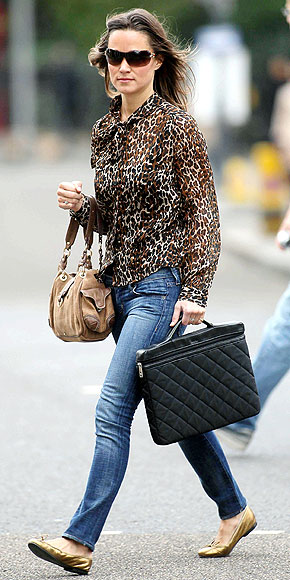SHOWING HER SPOTS photo | Pippa Middleton