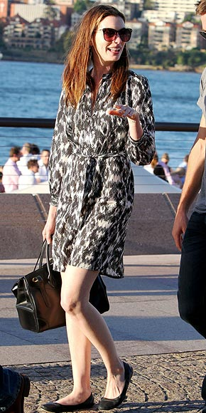 SHIRT DRESSES photo | Anne Hathaway