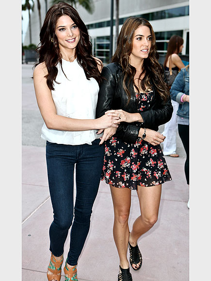 ASHLEY GREENE & NIKKI REED photo | Ashley Greene, Nikki Reed
