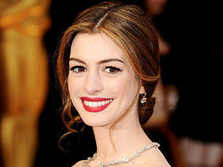 2011 Oscars Beauty in 4 Steps | Anne Hathaway