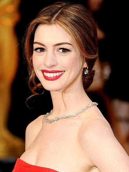 Anne Hathaway Oscars 2011. Anne Hathaway Oscars 2011
