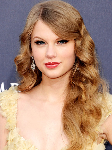 TAYLOR SWIFT'S MAKEUP photo | Taylor Swift