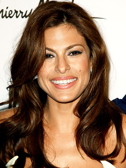 EVA MENDES&#39; MAKEUP photo | Eva Mendes