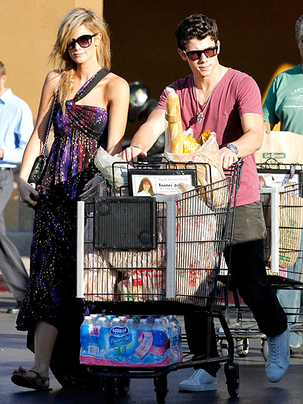 NICK JONAS & DELTA GOODREM photo | Nick Jonas