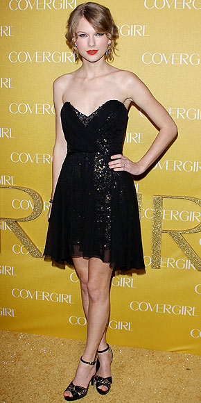 Golden Globes Taylor Swift. Taylor Swift in Mark+James by
